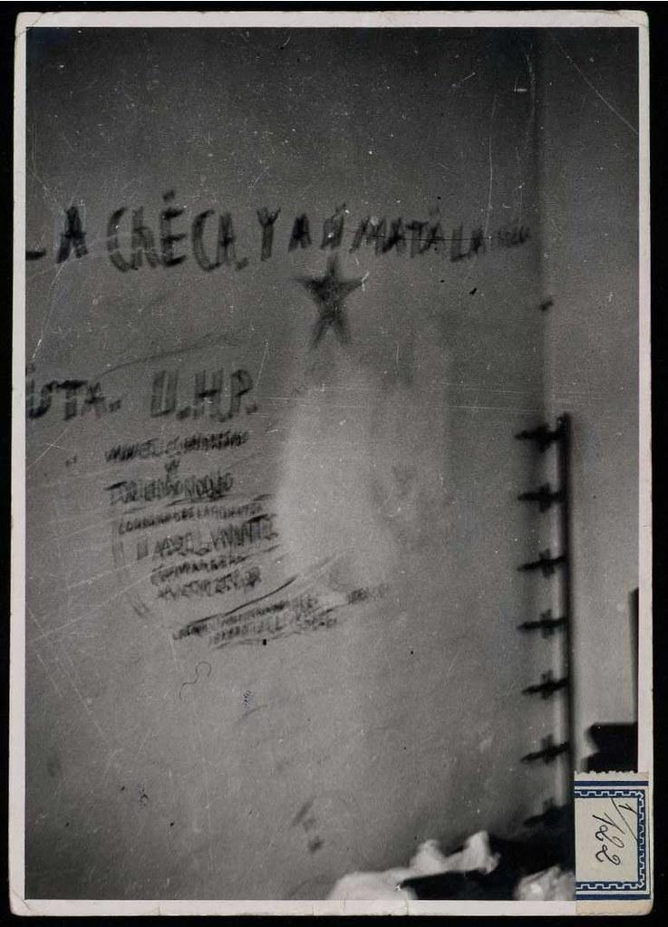 Colegio de los Maristas de Toledo a a finales de septiembre o comienzos de octubre de 1936 tras la entrada de las tropas franquistas. Fotografía de Claudek, pseudónimo de la condesa Claude-Marguerite de Kinnoull. Biblioteca Nacional de España.