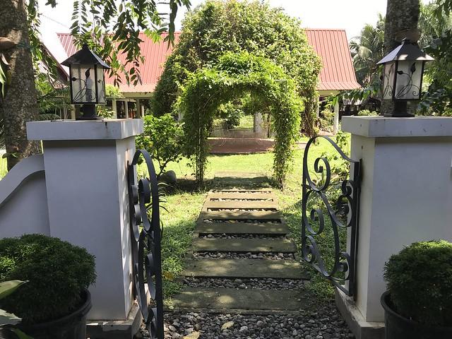 Mini gate at Jardiolin's compound