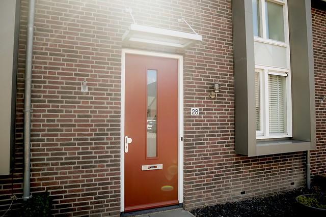 Roodbruine voordeur
