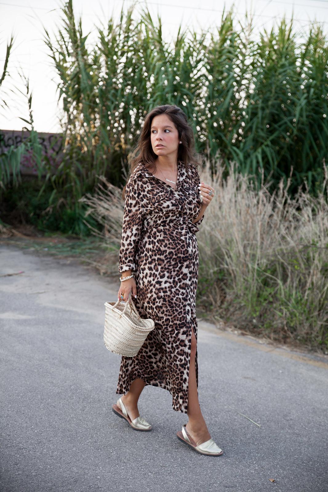 05_leopardo_estampado_tendencia_otoño_18_19_theguestgirl_leopard_dress_loavies_pregnant_barcelona_embarazada_influencer_outfit_otoño