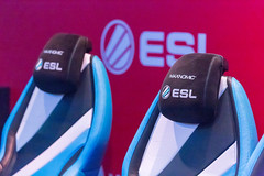 Gaming chairs with ESL logos by Maxnomic at Gamescom 2018