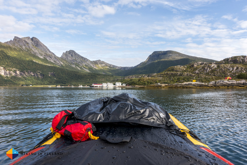 Nordskot from a packraft