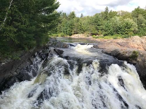 Chutes - the falls