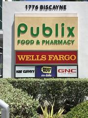 Store Signs Urban Center Omni Area Downtown Miami