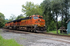 NS 211, Linden, VA