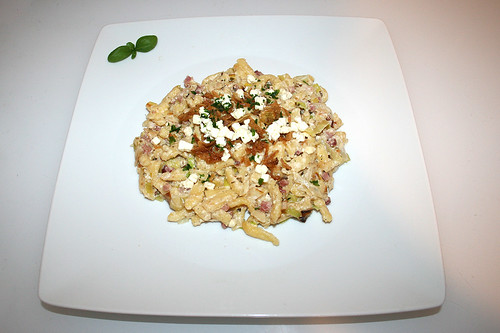 14 - Feta leek spaetzle - Served / Schafskäse-Lauch-Spätzle - Serviert