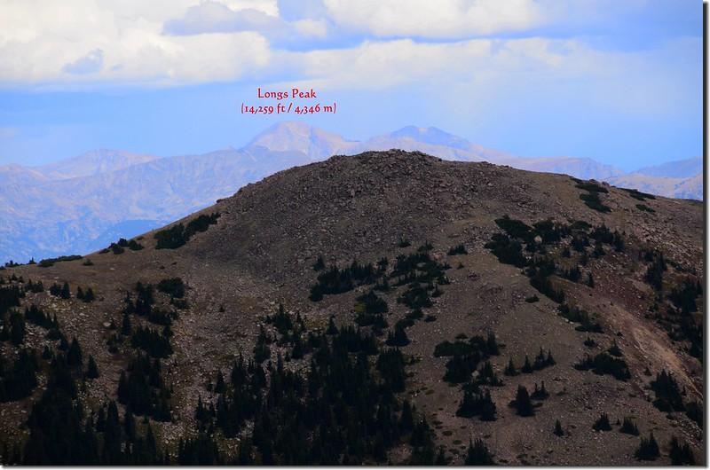 Looking north at Longs Peak from Vasquez Peak's west saddle_副本
