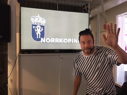 Erik Rosales och Norrköpings stadsvapen