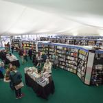 Bookshop packed full of books | © Robin Mair