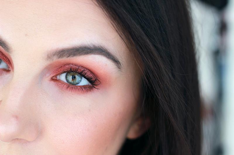 Close-up eye - Backtalk Urban Decay