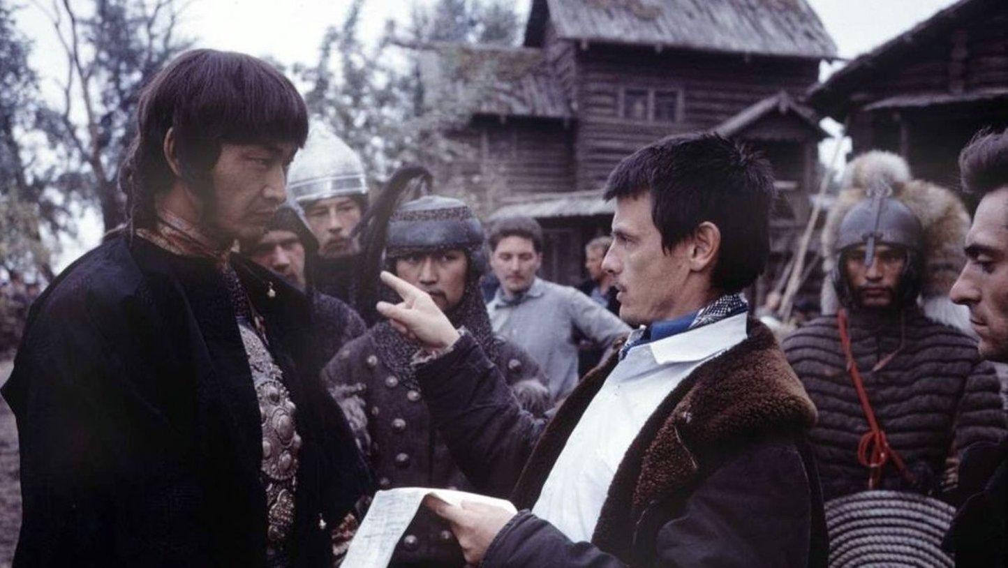 На съёмках фильма «Андрей Рублёв», 1965