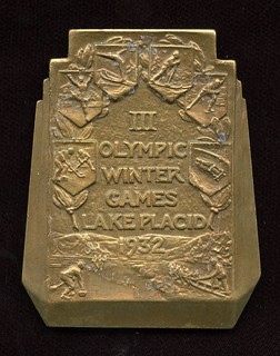 1932 Winter Olympics Bronze Participation Medal obverse