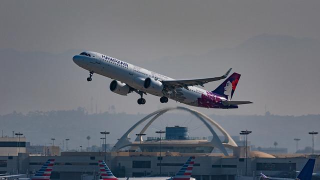 Hawaiian Airbus A321 Departing LAX