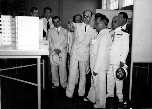 Getúlio Vargas, Gustavo Capanema e outros em visita à Exposição Nacional do Estado Novo 2