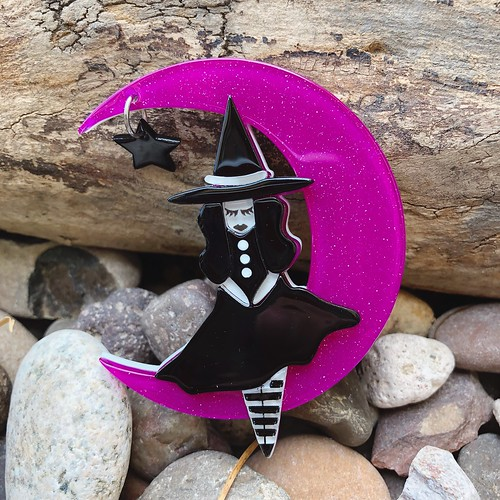 Erstwilder The Witching Hour Brooch