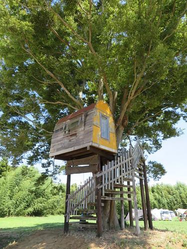 ピーナッツキャンプ2018 ナッツのステージ脇のツリーハウス