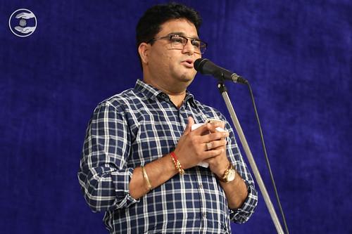 Devotional song by Vivek Dhingra from Rani Bagh, Delhi