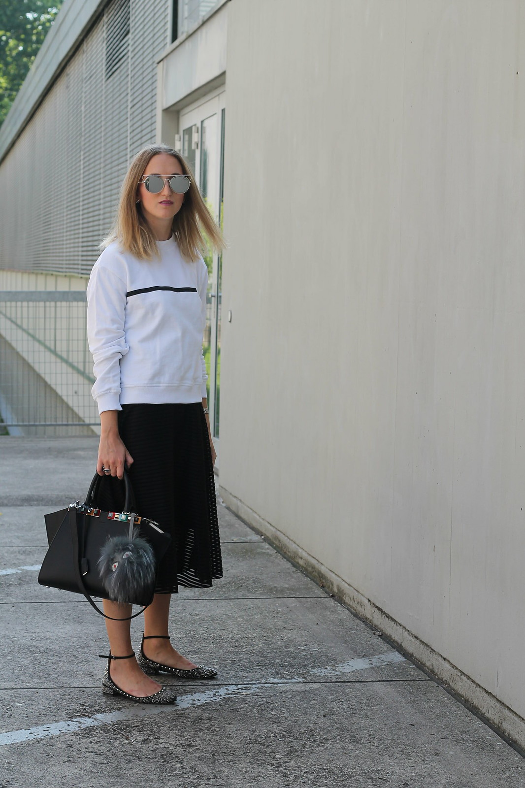 sweater-and-midi-skirt-whole-outfit-wiebkembg