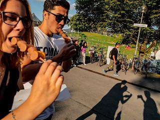 Menschen im Olympiapark Sommer 18 - Party im Park (81).jpg