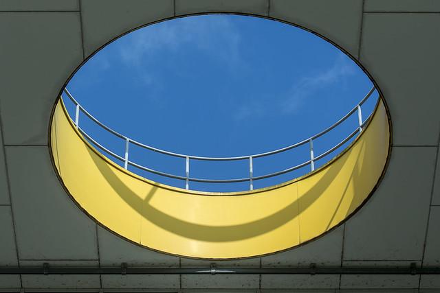 Yellow gap