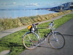 Emee and I spent a lovely day hanging out in Tacoma.  Emee Pumarega