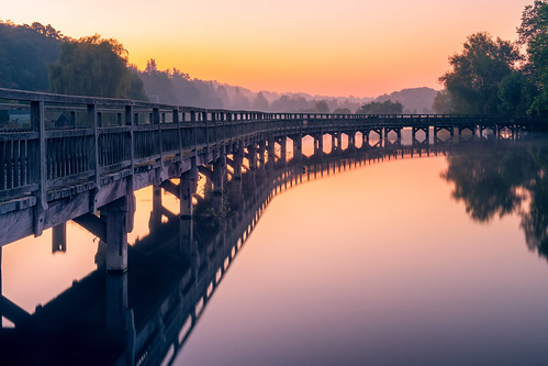 autumn berkshire henley marshlock misty oxfordshire reflection river shiplake sunrise thames walkway water
