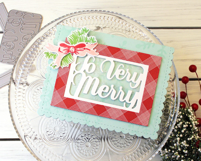 LizzieJones_MakeItMonday_IncorporatingPackagingDies_PapertreyInk_SoVeryMerryCard
