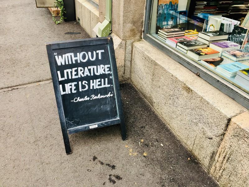 Nide Kirjakauppa