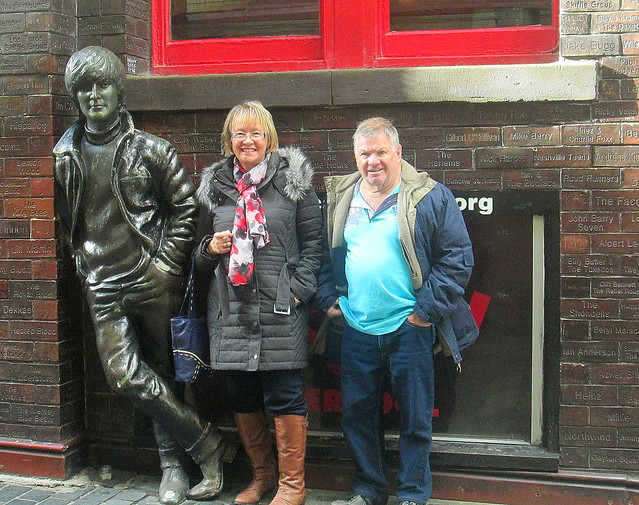 Beatle Statue and Fans, Liverpool