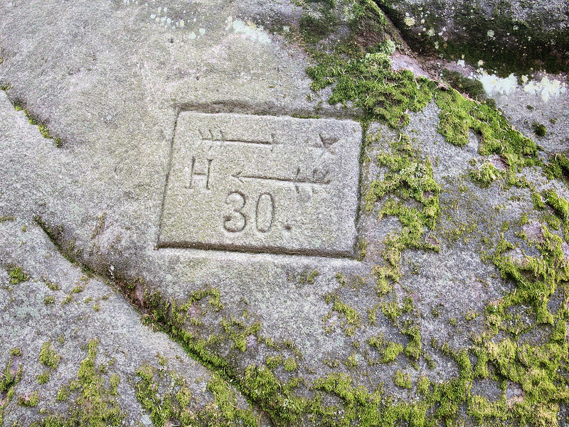 znaki na skałach Góry Stołowe