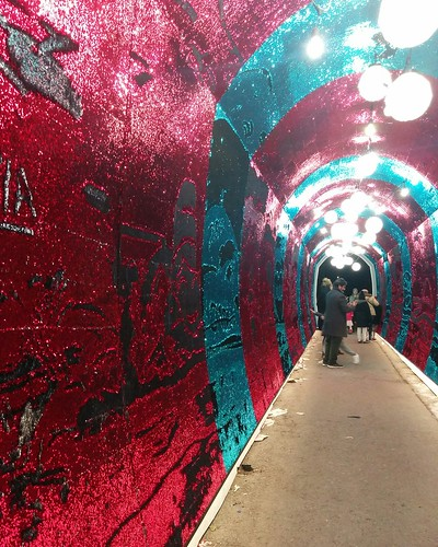 Into the Tunnel of Glam (2) #toronto #tunnelofglam #yongeandstclair #tunnel #sequin #red #blue