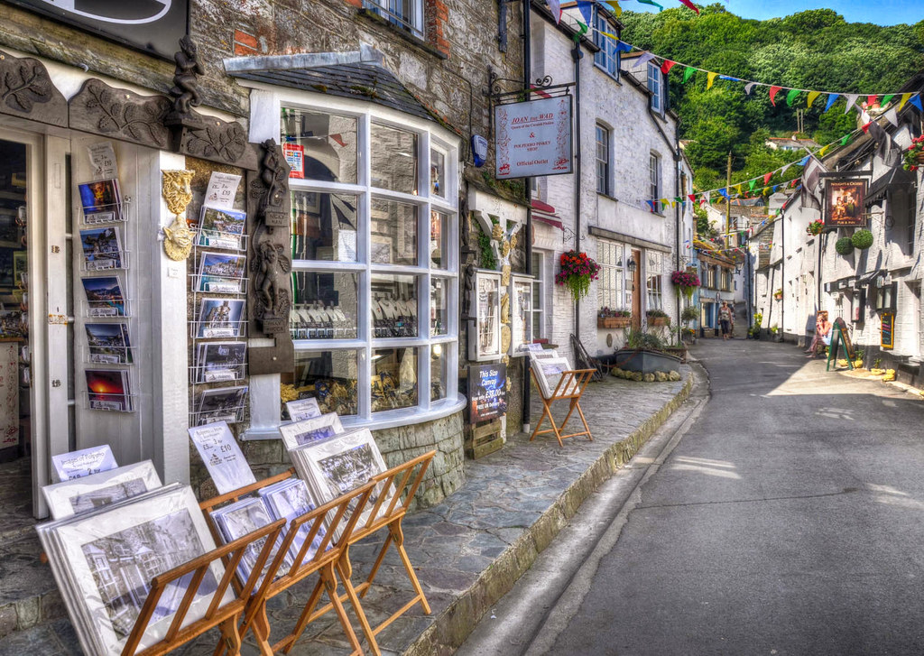 Lansallos Street, Polperro, Cornwall. Credit Baz Richardson, flickr