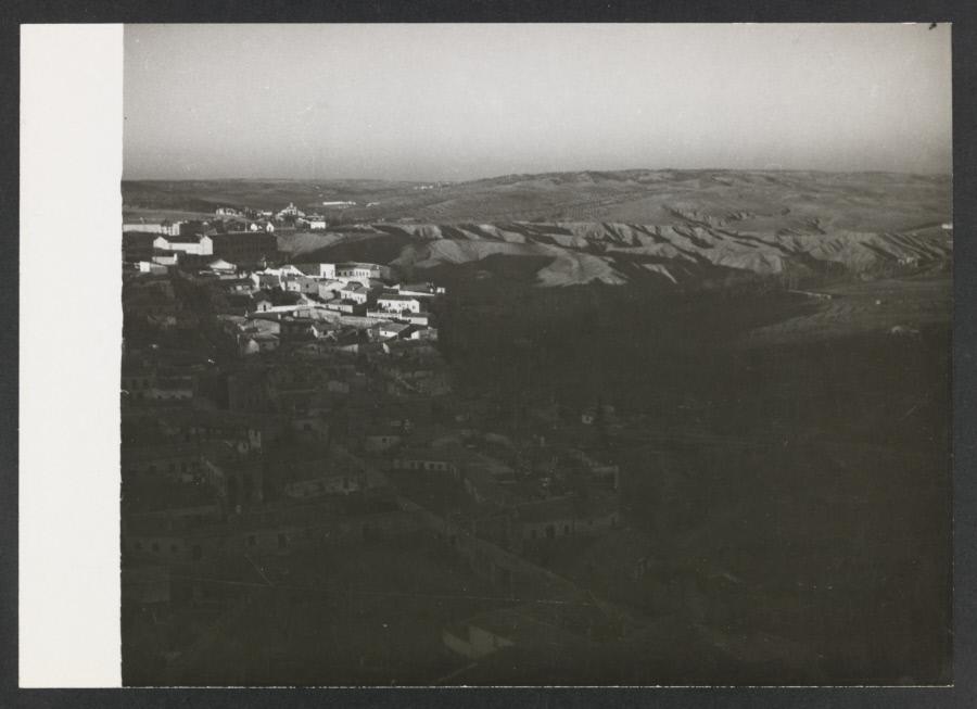 Vista del barrio de la Antequeruela y las Covachuelas. Fotografía de Yvonne Chevalier en 1949 © Roger Viollet