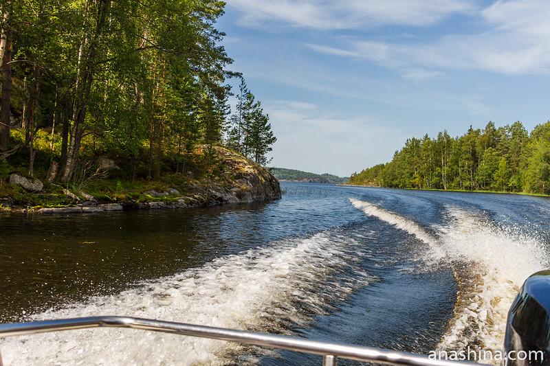 Пролив между островами, Ладожское озеро, ладожские шхеры