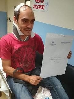 Giacomo Petrelli al Pronto soccorso dopo l'aggressione
