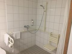 11 - Ibis Hotel Kelsterbach - Zimmer - Dusche