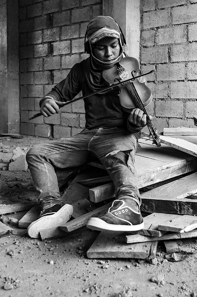 RP10 RP1401 BENJAMINQ (ECUADOR) - GUACHIMÁN, Calidad de vida de los obreros en las construcciones de Quito. - Tomada en QUITO el