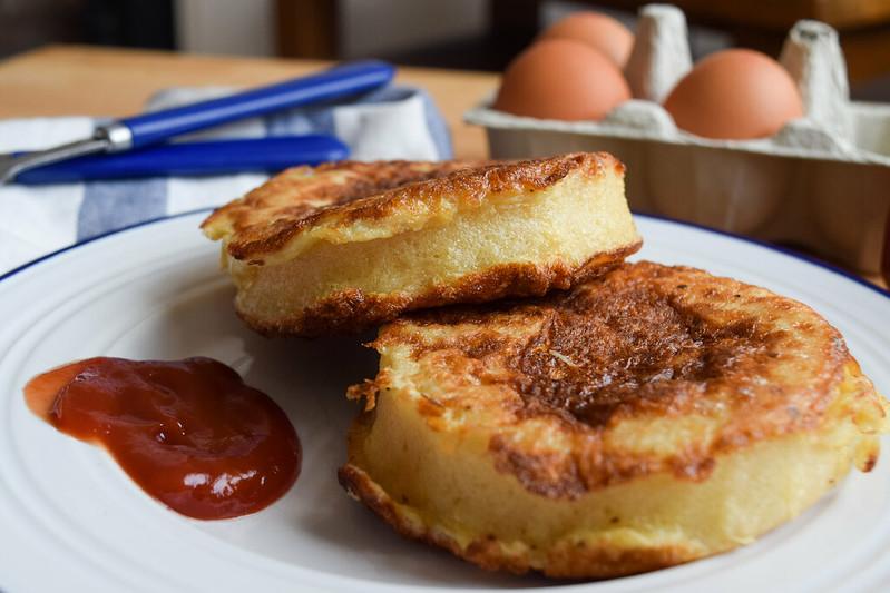 Crumpet Eggy Bread