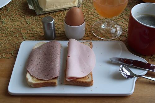 Schnittfeste Leberwurst und Fleischwurst auf Toastbrot