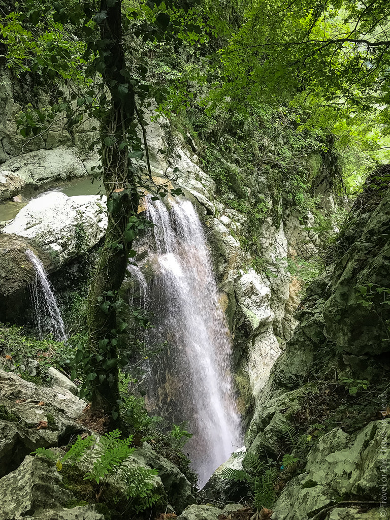 sochi-agura-waterfalls-iphone-6215