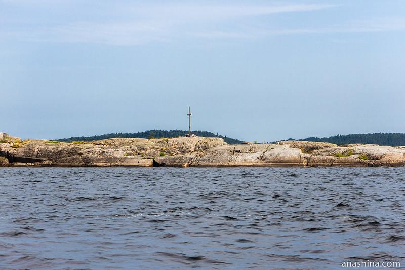 Остров с крестом, Ладожское озеро