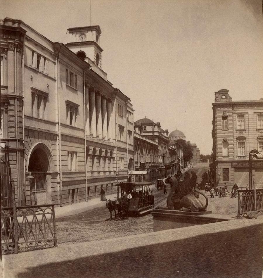 Окружный штабъ и Дворцовая ул
