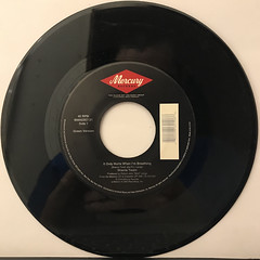 SHANIA TWAIN:IT ONLY HURTS WHEN I'M BREATHING(RECORD SIDE-A)