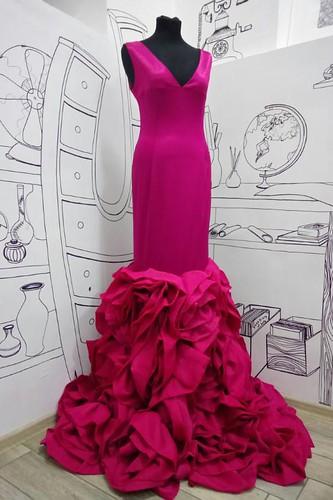Женский карнавальный костюм Платье с розами