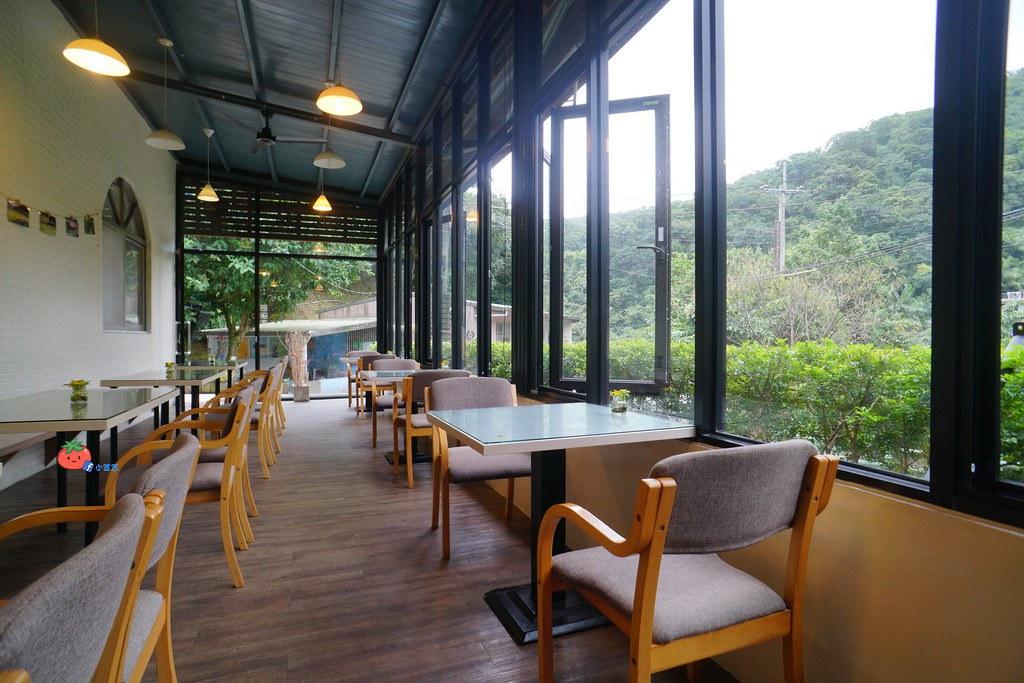 基隆七堵景點 苓蘭生態農園 咖啡角
