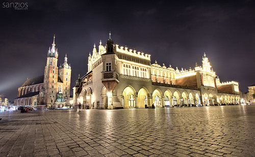 poland cracow krakow sukiennice church square landmark tower town europe building market city old gothic architecture main polish basilica tourism travel hall historic clothhall view mary evening night cityscape historical rynek history cracovia sky cathedral street cloth famous mariacki medieval morning malopolska mainmarketsquare glowny st summer urban european towers renaissance
