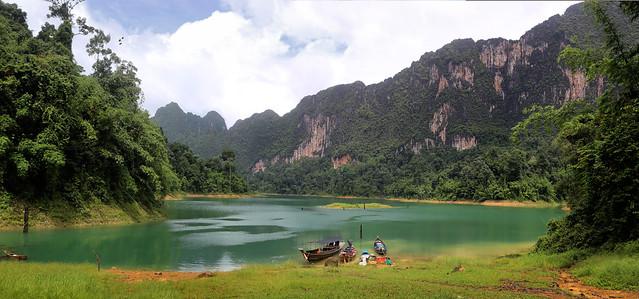 Silent retreat at the end of Khlong Long Lake