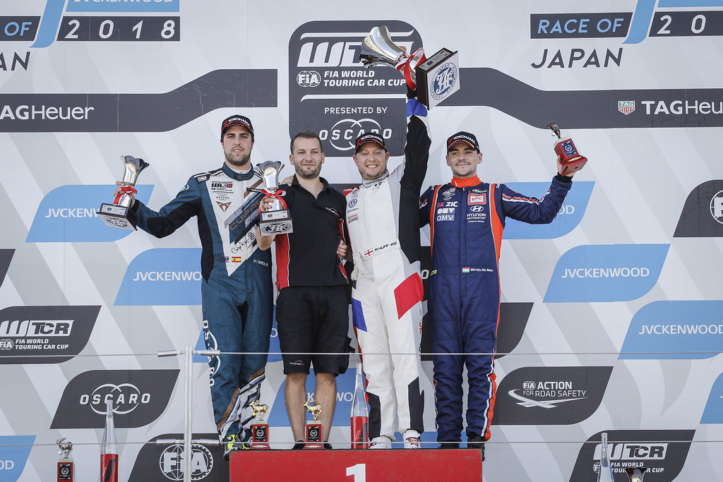 HUFF Rob, (gbr), Volkswagen Golf GTI TCR team Sebastien Loeb Racing, portrait ORIOLA Pepe, (esp), Seat Cupra TCR team Oscaro by Campos Racing, portrait MICHELISZ Norbert, (hun), Hyundai i30 N TCR team BRC Racing, portrait podium ambiance during the 2018 FIA WTCR World Touring Car cup of Japan, at Suzuka from october 26 to 28 - Photo Francois Flamand / DPPI