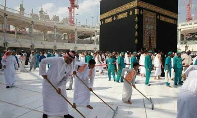 4754 The Grand Mosque hires 85 Saudis to work as Cleaners 02