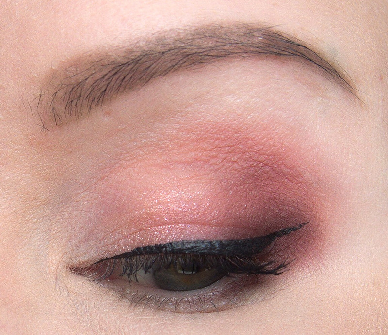 Urban Decay Naked Cherry makeup